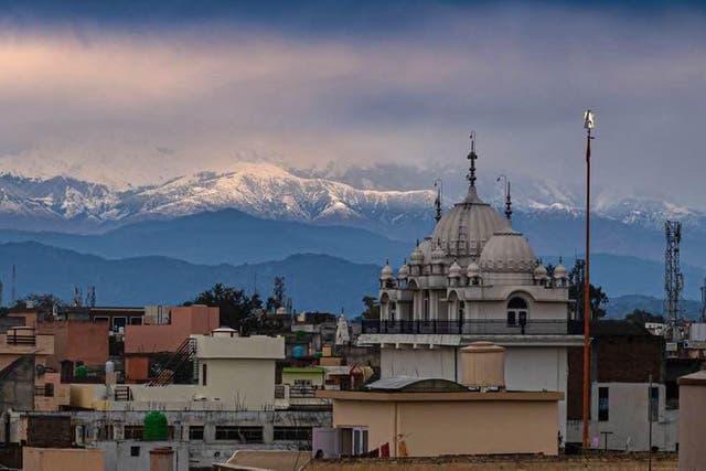 Himalayas-visible-Covid